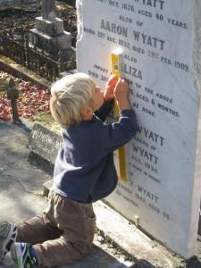 Monumental Mason Linus