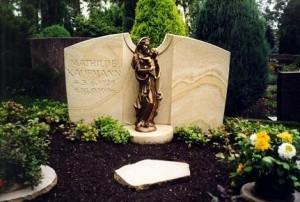 Headstone Madonna
