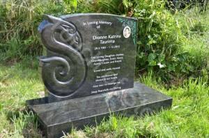 Headstone Green Manaia